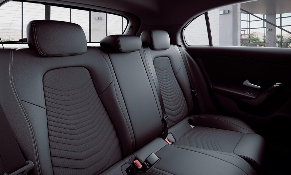 Autoleasing-valikoiman Mercedes-Benz A 180 A Business Style -mallin sisätilat.
