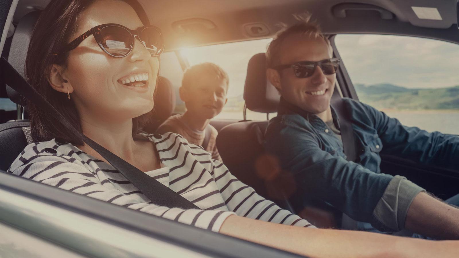 Tilaa uusi leasingauto helpottamaan koko perheen arkea.