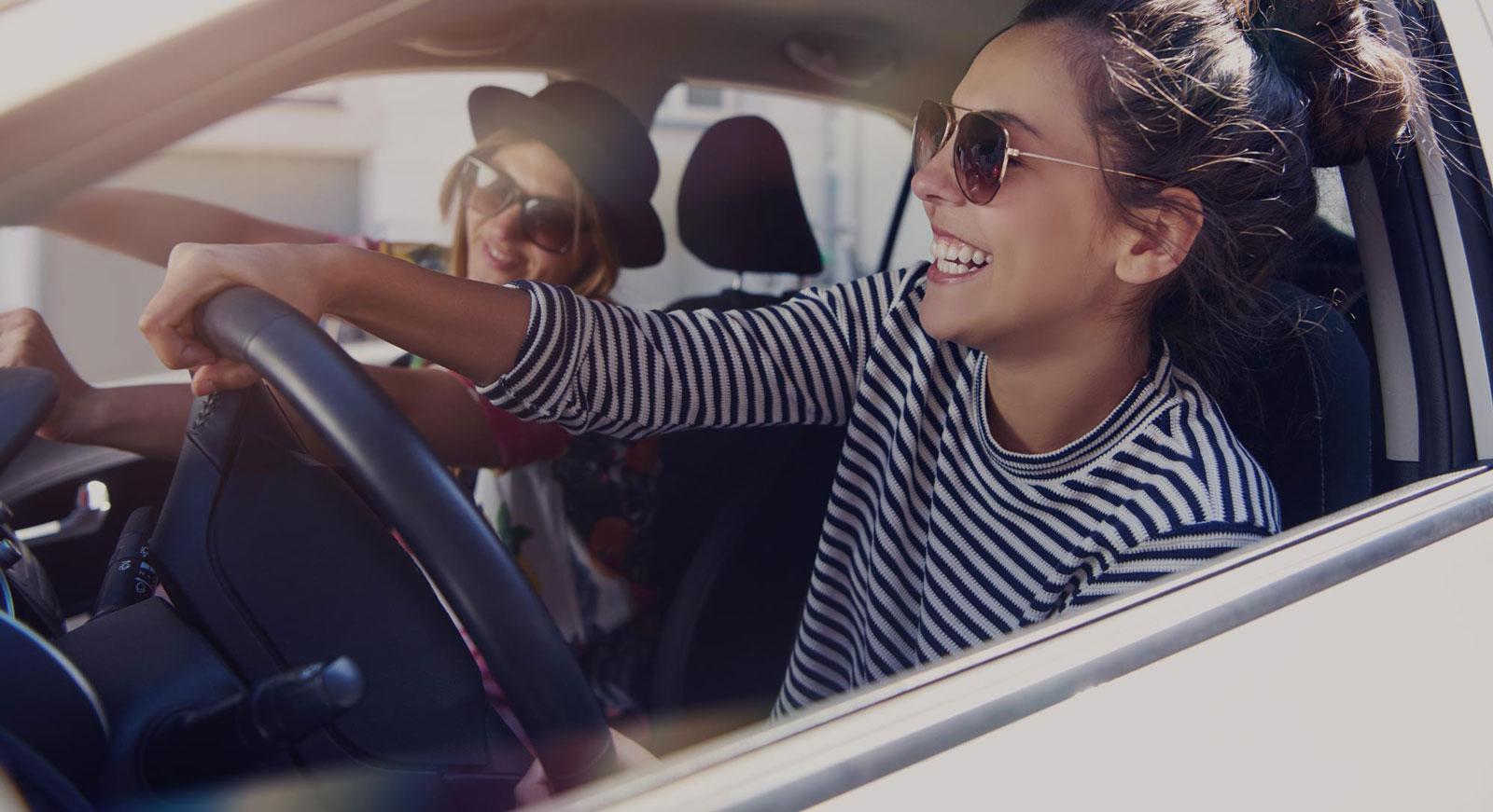 Autoleasing-asiakkaana nautit autoilusta ilman auton omistamisen riskejä.