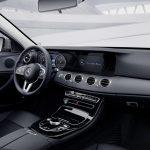 Autoleasing-valikoiman Mercedes-Benz E 300 de T A Business Avantgarde Edition EQ Power -mallin sisätilat.