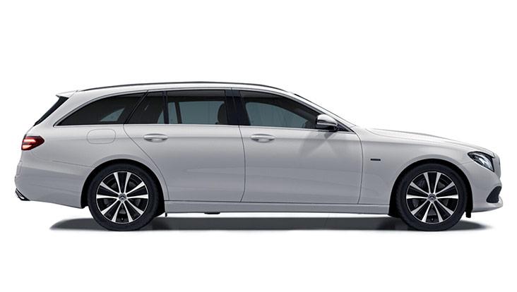 Autoleasing-valikoiman valkoinen Mercedes-Benz E 300 de T A Business Avantgarde Edition EQ Power -malli sivusta.