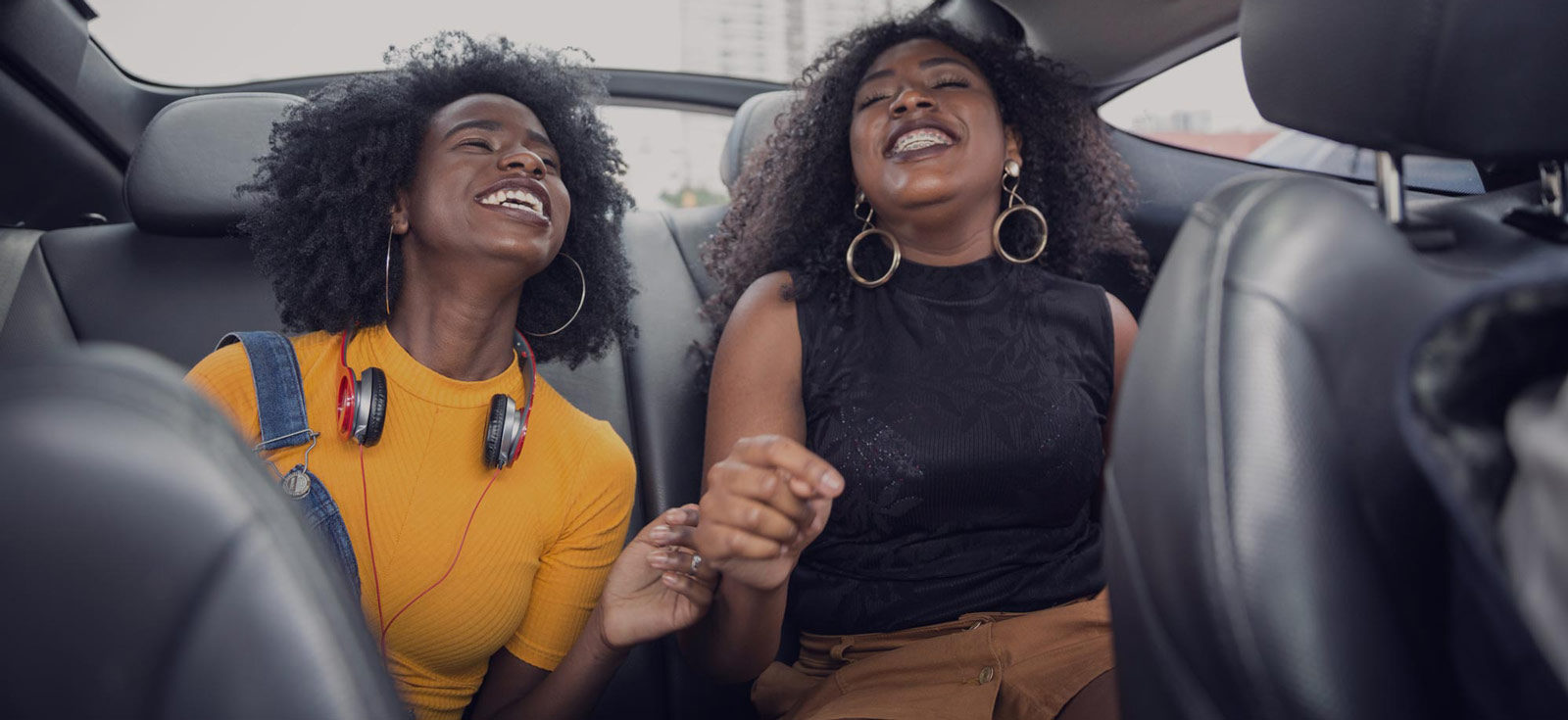 Leasingautoilu on huoletonta sekä autoilijalle että matkustajille.