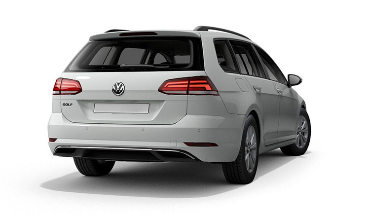 Autoleasing-valikoiman valkoinen Volkswagen Golf Variant Comfortline 1,5 TSI EVO 110 kW DSG -malli takaa.