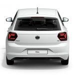 Autoleasing-valikoiman valkoinen Volkswagen Polo Style 1,0 TSI 70 kW DSG -malli takaa.
